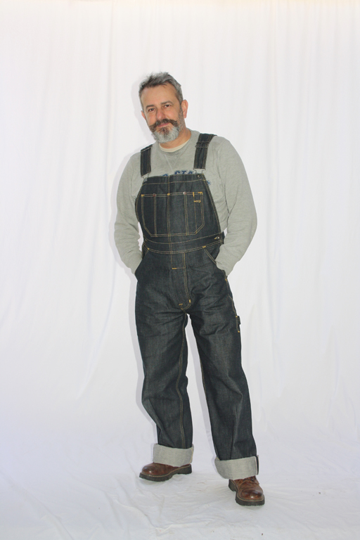 Sweat-shirt Forties-Factory sous une salopette Mechanic Bib 1935 Pike Brothers